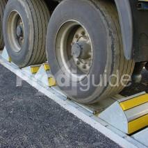 bloqueur automatique de camion par cales roues multiples