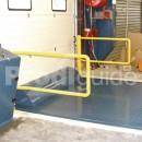 Niveleur de quai avec barrieres anti-chute
